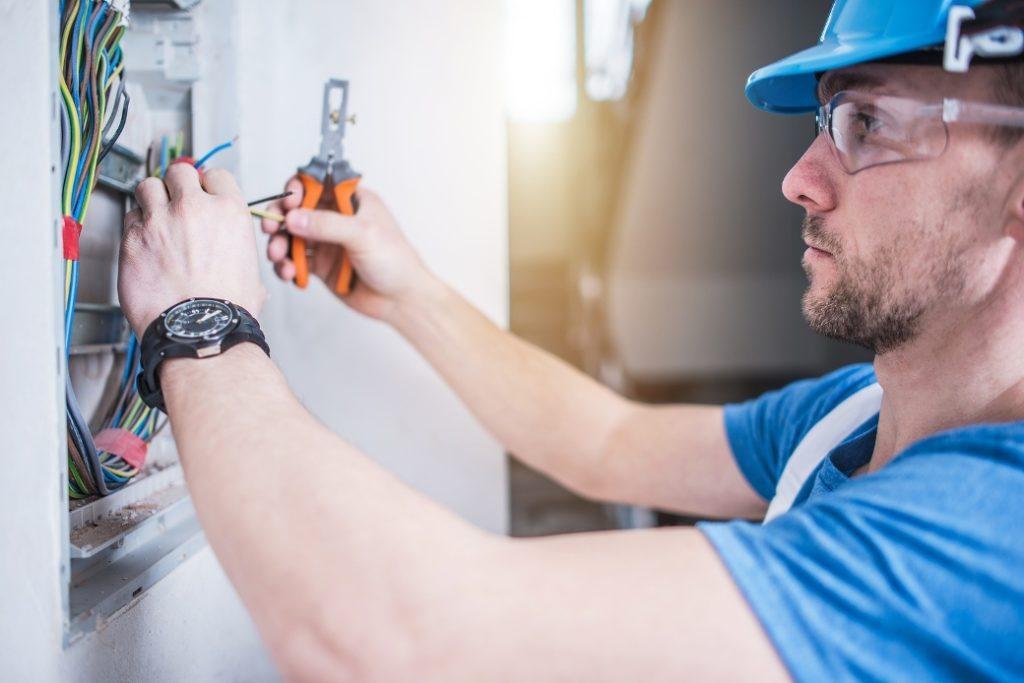Electrical-Contractors-1024x683